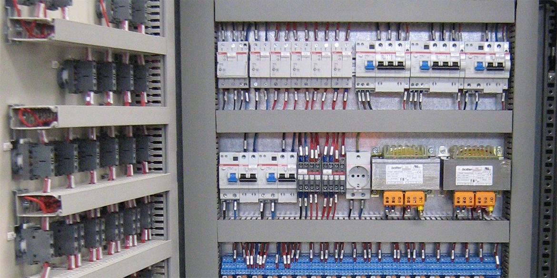 Quadri elettrici | Impianto realizzato da La2R Elettroimpianti | Slide 01